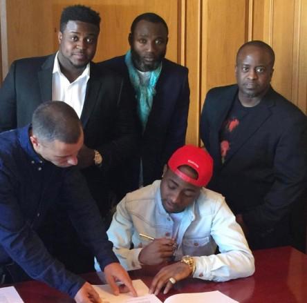 Davido signing record deal with Sony Music (Image courtesy of twenty20media.com.ng).jpg