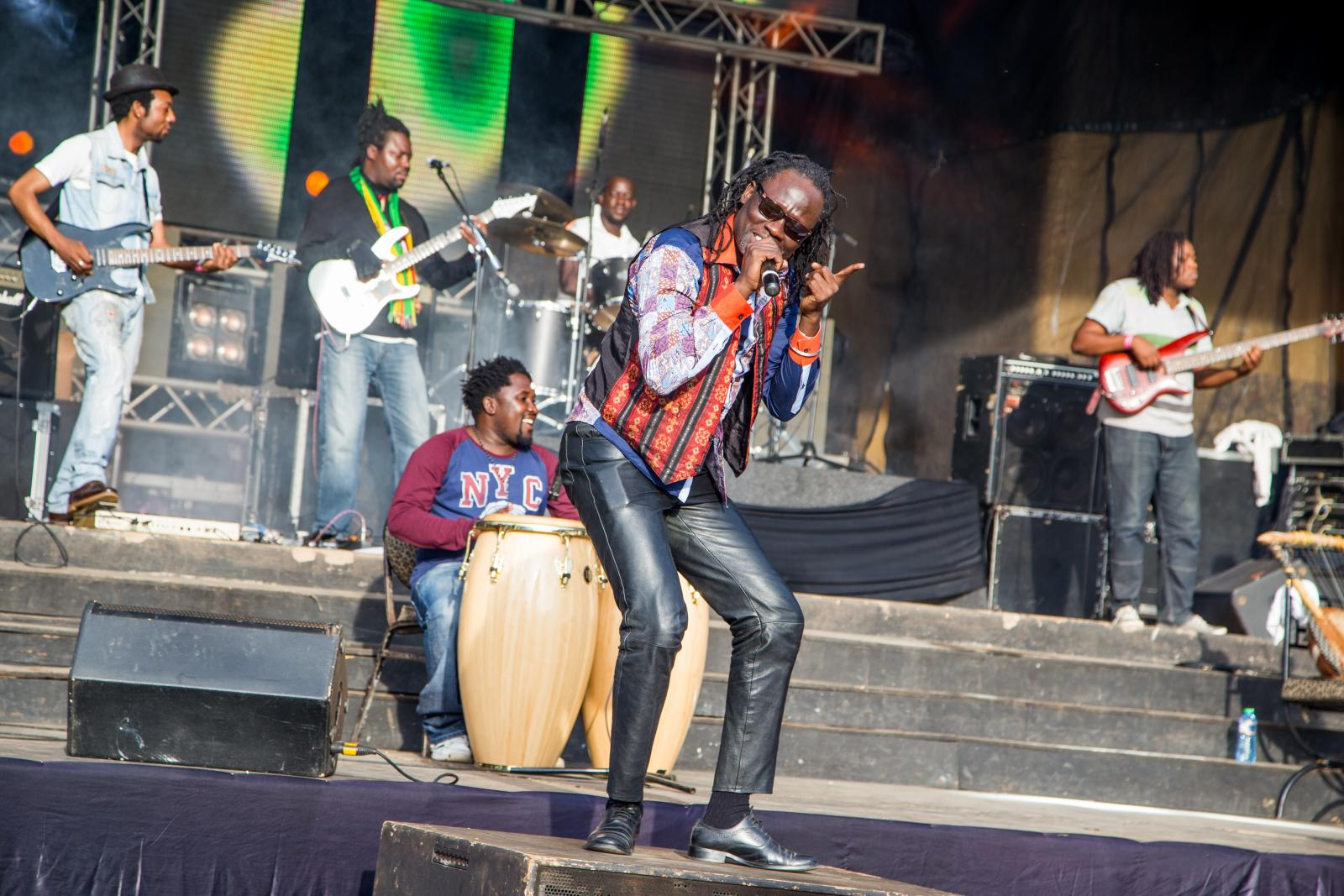 Makadem performs at Ankole Grill, marks his 2018 European tour return