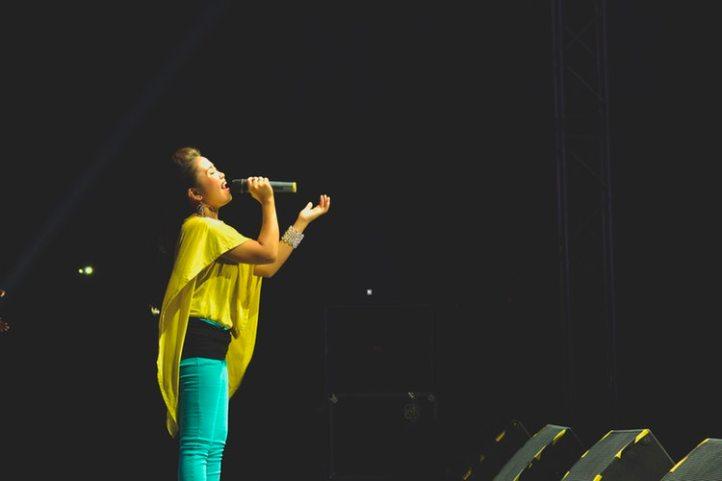 vocalist-singer