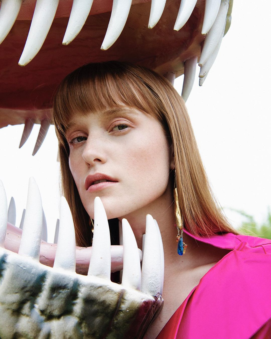 "Sophie van Hasselt returns with ""EaT mY bRaiN"" single and video"